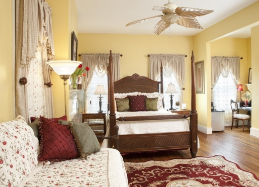 A day bed in this spacious B&B room accommodates three girlfriends comfortably.