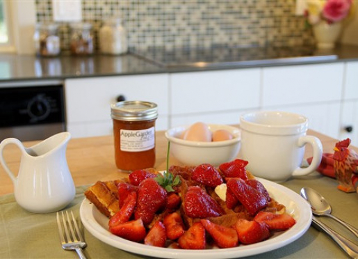 Organic breakfast in Tomales at AppleGarden bed-and-breakfast