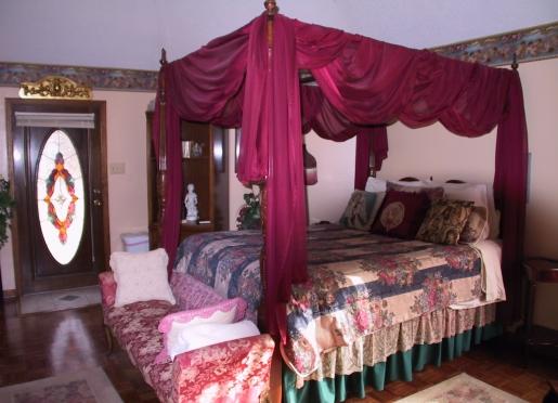 Heart's Content Honeymoon Cottage