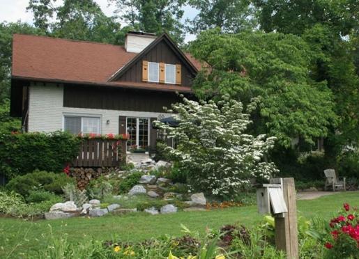 Welcome to Swiss Woods Bed & Breakfast Inn