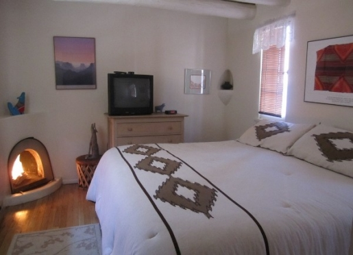 Authentic historic adobe archeticture- inside and out- with modern conveniences!