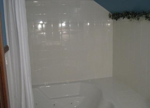 Master Suite Whirlpool tub