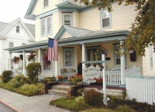 Miss Molly's Inn - Chincoteague, Virginia