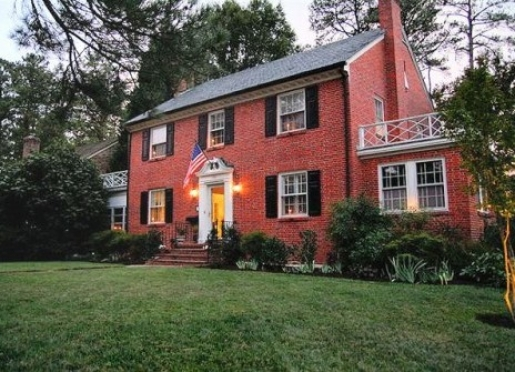 Bentley Manor Inn - Williamsburg, Virginia
