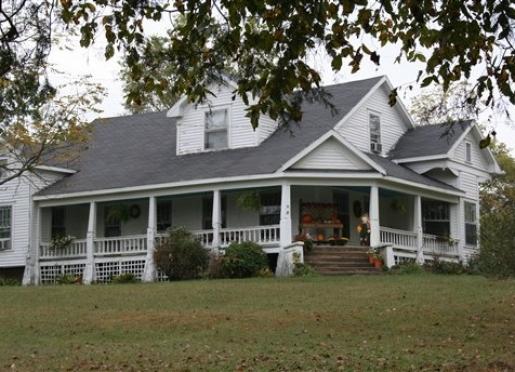 Water Valley Inn - Cobden, Illinois