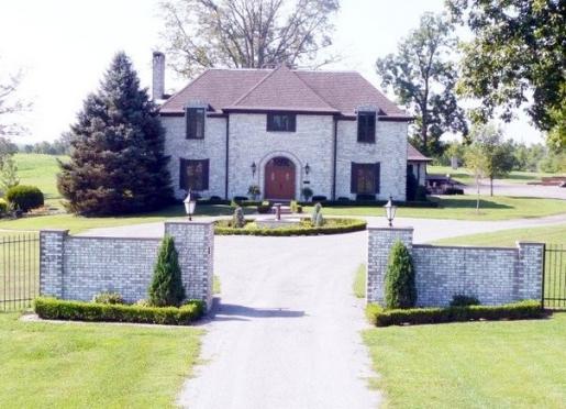 Oakridge Manor Bed and Breakfast - Creal Springs, Illinois