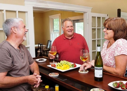 Happy hour with local wines and microbrews
