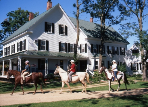 North Conway Bed andBreakfast with horseback riding on 70 acres.