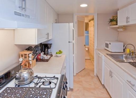 The Writer's Retreat Kitchen