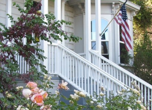 Welcome to Yosemite Rose Bed & Breakfast