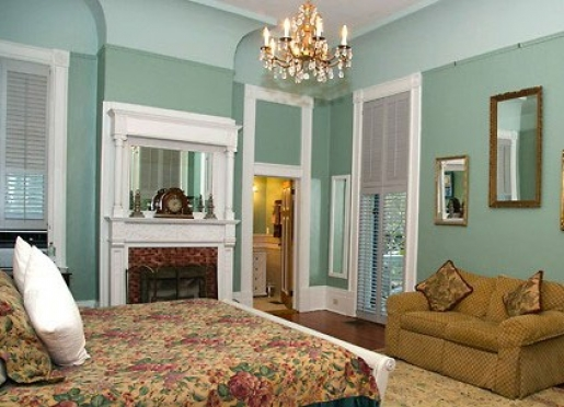 The St. Charles Suite