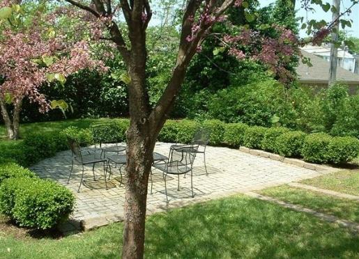 Pioneer Park Courtyard