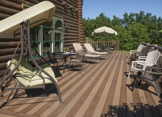 The deck is ideal for relaxing, or social gathering.