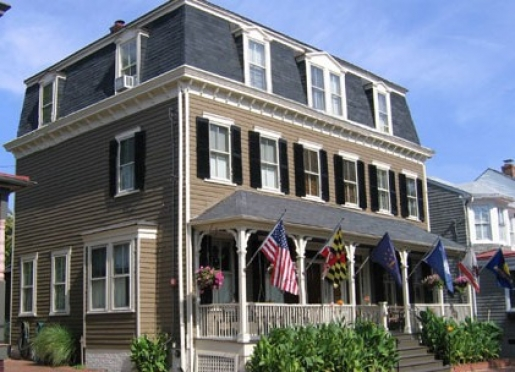 Welcome to the Flag House Inn Bed & Breakfast