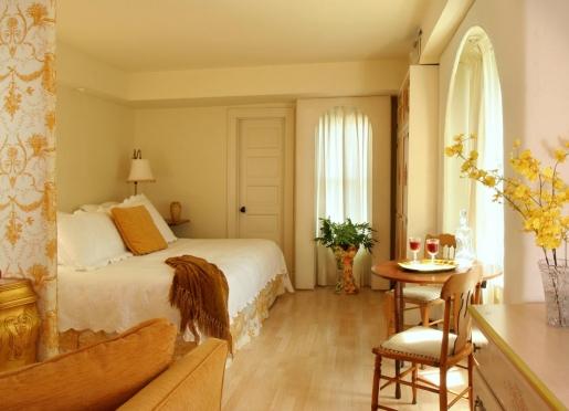 Room 307 - Colette