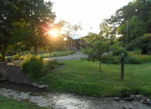 Cascade Hollow Lodge and Cottage rentals                        in its serene setting ... welcome!
