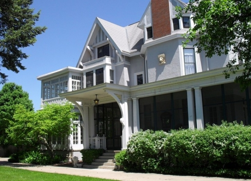 Alexander Mansion - A Historic Bed & Breakfast