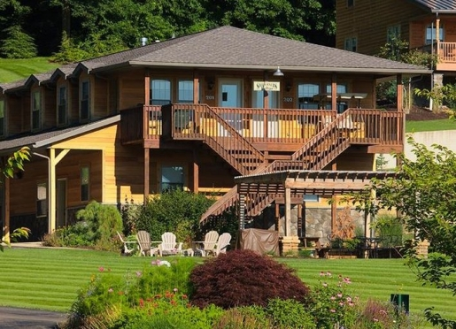 Welcome to Sojourner's Lodge & Log Cabin Suites
