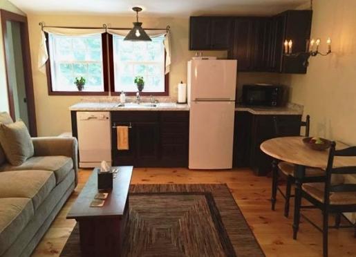 Highlander Suite living room/kitchen