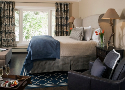 Bear Creek Guestroom at Antlers on the Creek