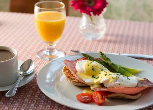 Breakfast at The Mercersburg Inn