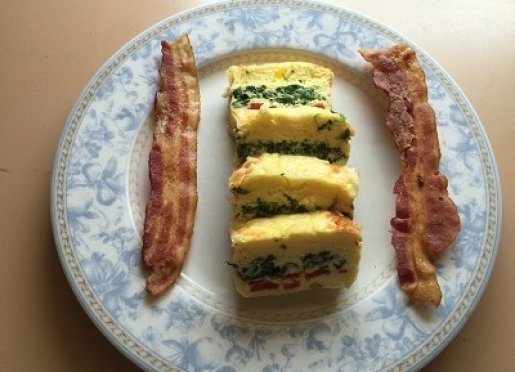 Striped Omelet with Spinach, Red Pepper and Basil, and Cheese