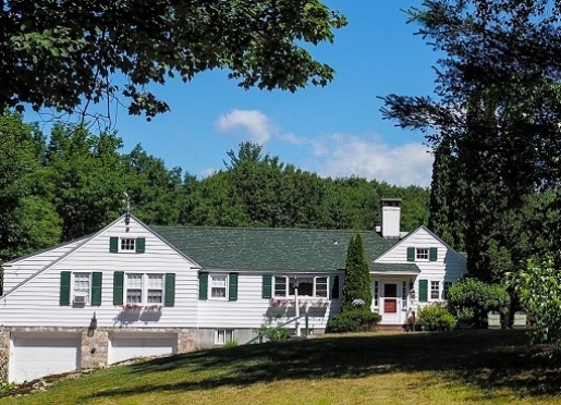 Welcome to Lighthouse Inn Bed & Breakfast and Cottages