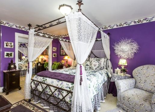 The La Tara Room
