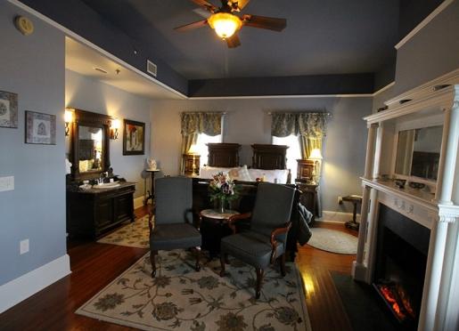 Our luxurious Menendez room aptly overlooks Avenida Menendez and the bayfront.