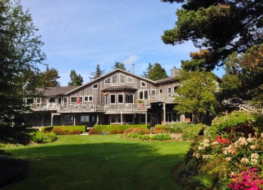 Floras Lake House B&B