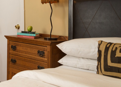 Toni Morrison room, queen bed private bath