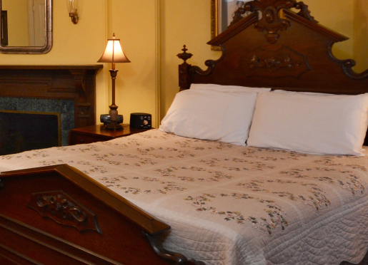 General Logan room, Queen bed, twin bed and private full bath, 2nd floor