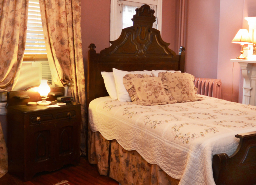 Magnolia Room, Queen bed and private full bath. Quiter room on the back of the house