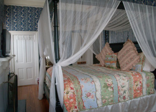 Madevellia Guest Room