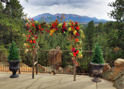 Small Weddings are Wonderful here at Pikes Peak Paradise.