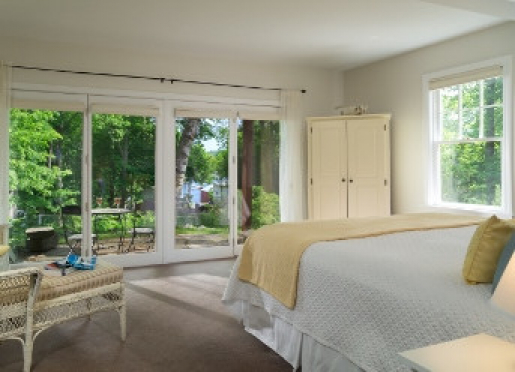 Carriage House room with harbor view