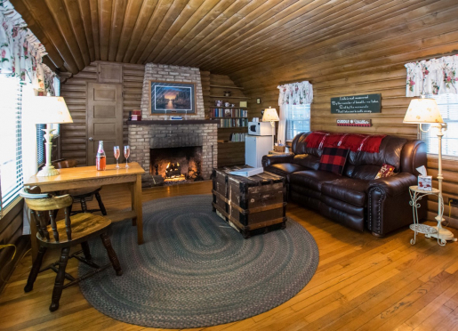 78af3094fce Lazy Cloud Lodge | Room Rates and Availability | BBOnline.com