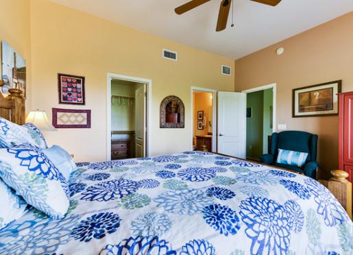 Dakota Room - Inn at Civano -  Standard Queen Room with walk-in closet and private bath