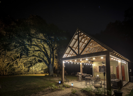 Perfect Getaway - with outdoor pavilion to enjoy the nightlife